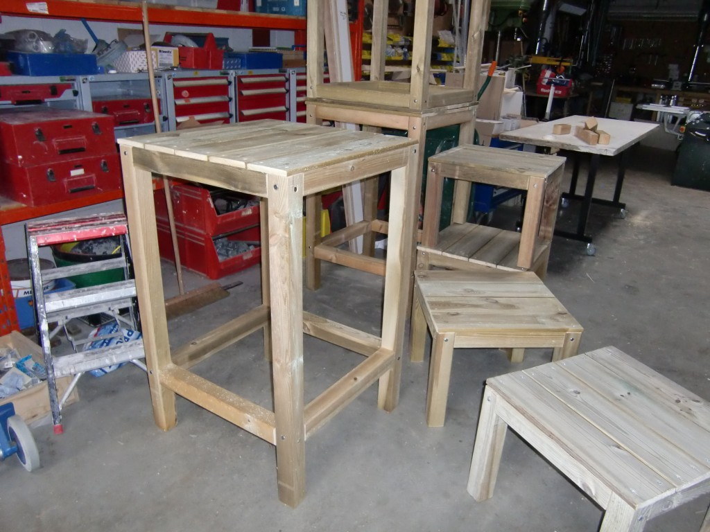 Bartafel stoelen steigerhout